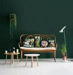 Mur-vert-émeraude-ses-associations-dans-ma-déco-nelly-rodi-mur