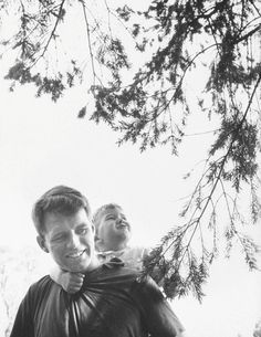 Robert Kennedy w. his son Bobby Jr. outside his Hickory Hill home. Location: Mcclean, VA, US Date taken: April 1957 Photographer: Paul Schutzer Robert Kennedy, Les Kennedy, Jackie Kennedy, Ethel Kennedy, Kennedy Compound, Familia Kennedy, Hickory Hills, Grey Gardens, Town And Country