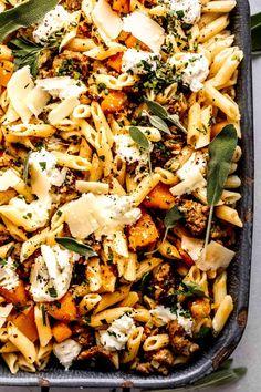 Goat Cheese Pasta, Goat Cheese Recipes, Cheese Spaghetti, Spaghetti Squash, Fall Recipes, Dinner Recipes, Autumn Pasta Recipes, I Love Food, Good Food