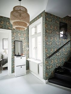 [Those William Morris wallpapers have aged remarkably well. They are true classics. William Morris Tapet, William Morris Wallpaper, Morris Wallpapers, Tudor House, Maison Tudor, Sinnerlig Ikea, Interior And Exterior, Interior Design, Decor Inspiration