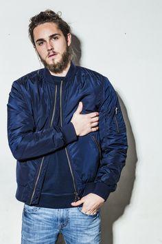 Bomber jacket 500:-