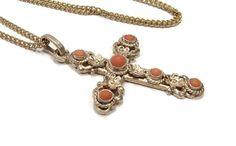 800 Silver Coral Cross Pendant Antique Jewelry Red Coral Antique Jewelry, Vintage Jewelry, Vintage Necklaces, Red Coral, Cross Pendant, Etsy Vintage, Floral Design, Pendants, Chain