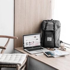 Quiet corners with the Retreat backpack. #HerschelSupply Photo: @pilotharahap