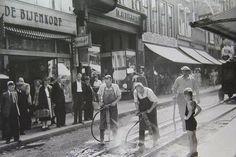 Herestraat 1953 het verwijderen van de tramrails