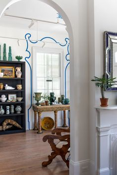 The A-List design duo's new studio is the Big Easy's ultimate antiques heaven.   #neworleansdesign