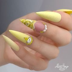 Beautiful nails by Ugly Duckling Distributor and Family Member 😍Ugly Duckling Nails is dedicated to keeping love, support, and positivity flowing in our industry ❤️ Summer Stiletto Nails, Stiletto Nail Art, Cute Nails, Pretty Nails, Urban Nails, Romantic Nails, Nagel Bling, Luxury Nails, Yellow Nails