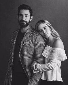 "jessicablunt-emilychastain: ""Emily Blunt and John Krasinski for Deadline "" Celebrity Memes, Celebrity Crush, Celebrity Photos, Hailey Baldwin, Jessica Chastain, John Krasinski Emily Blunt, Justin Bieber, Famous Couples, Cultura Pop"