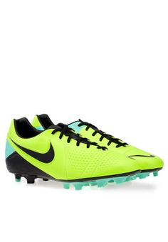 The Nike CTR 360 Libretto III FG soccer cleats are ideal for footballers! Shop for it here!- http://en-ae.namshi.com/buy-nike-ctr360-libretto-iii-fg-for-men-football-shoes-57294.html