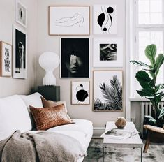 5 Reasons why Black and White abstract art is dreamy for your home (Daily Dream Decor) - Home Decoration Ideas Decoration Design, Decor Interior Design, Room Interior, Interior Decorating, Interior Doors, Interior Ideas, Cozy Living Rooms, Apartment Living, Living Spaces