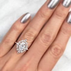 Cute Engagement Rings, Oval Halo Engagement Ring, Engagement Ring Settings, Moissanite Engagement Rings, Vintage Oval Engagement Rings, Different Engagement Rings, Oval Halo Ring, Most Beautiful Engagement Rings, Moissanite Rings