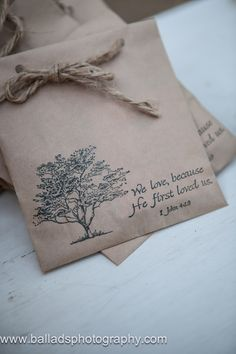 wedding favor / we love because he first loved us / rustic / bag / rope / tag