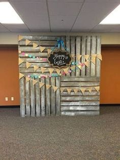 New Photo Booth Ideas diy photo booth backdrop New Photo Booth Ideas Graduation Party Decor, Graduation Photos, Grad Parties, Graduation Backdrops, Pallet Graduation Ideas, Birthday Parties, Wedding Backdrops, Backdrops For Parties, Picture Backdrops