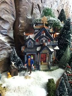 2011 Lemax Christmas display The Captains Cottage