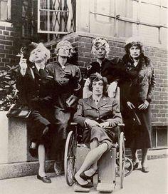 НовостиГруппа The Rolling Stones в женской одежде. Амстердам, 1966 год.