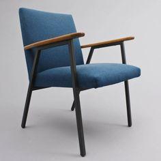 www.velvet-point.de     Vintage furnitures approachable.