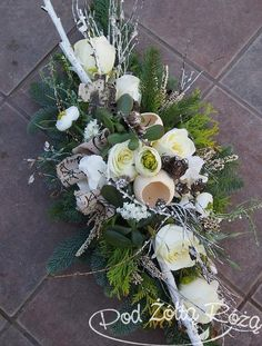 Grave Flowers, Cemetery Flowers, Funeral Flowers, Wedding Flowers, Arrangements Funéraires, Christmas Flower Arrangements, Funeral Flower Arrangements, Cemetery Decorations, Sympathy Flowers