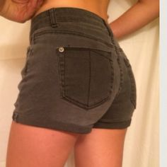 Urban outfitters black denim shorts Recently got these but I really quickly grew out of them. But in great condition. They ate begging material so they do have some give and will slightly stretch. Urban Outfitters Jeans