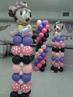 Minnie Mouse balloon column