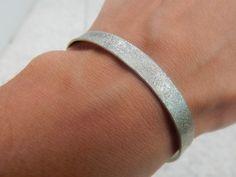 """Bracelet Jonc """"Lili"""" argenté martelé : Bracelet par bijou-lie"""