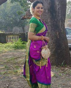 Marathi Saree, Marathi Bride, Kashta Saree, Sarees, Nauvari Saree, Beautiful Women Over 40, Indian Beauty Saree, Sexy Bra, Culture