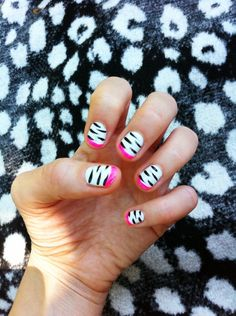 Nail art for mica she will love this Love Nails, How To Do Nails, Pretty Nails, Beginner Nail Designs, Zebra Nails, Nails For Kids, Fabulous Nails, Cute Nail Designs, Creative Nails