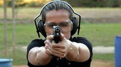 Mulheres na Polícia Civil.  https://www.facebook.com/mulheresnapoliciacivil/photos/a.217553711737123.1073741825.217553075070520/217667625059065/?type=1&theater