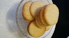 COOKIES YUM. SimpleBAKE. PÖLLÄSET KEKSIT/PIKKULEIVÄT RECOMMENDED. MeENJOY Bake&Eat.  Smile
