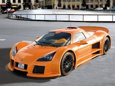 Gumpert Apollo, it's weekend... so let me testdrive one of these before they disapear (some say they are down :( ) ..by the way... like that colour...