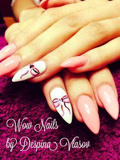 Stiletto bow nails