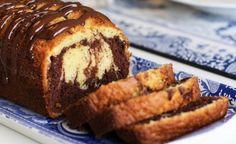Þessi klassíska og ljúffenga kaka er frá Ljúfmeti og lekkerheit.…