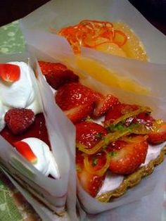 We already know how brilliant Japanese are with their ideas. As I was surfing my favorite bl. Japanese Candy, Japanese Sweets, Fruit Pie, Cupcake Party, Just Desserts, Strawberry, Cupcakes, Food, Japanese Sweet