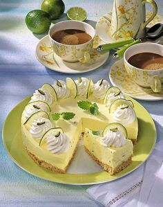 Limetten-Quark-Torte Our popular recipe for lime curd pie and over more free recipes on LECKER. Quark Recipes, Lime Recipes, Nutella Recipes, Easy Baking Recipes, Gourmet Recipes, Sweet Tarts, Popular Recipes, Coffee Cake, No Bake Cake