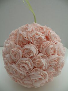 A different way to make the flower balls for Katie's wedding - (not in English, but the pictures are self explanatory)