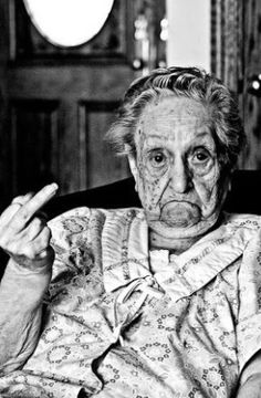 Gramma knows sign language~ ♛