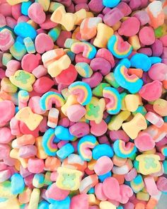 The marshmallows are the best part, no? The marshmallows are the best part, no? The marshmallows are the best part, no? Vintage Wallpaper, Food Wallpaper, Wallpaper Backgrounds, Iphone Wallpaper, Rainbow Wallpaper, Trendy Wallpaper, Rainbow Aesthetic, Aesthetic Food, Pink Aesthetic