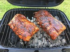 How to make Perfect BBQ Ribs on a Charcoal Grill Recipe – Famous Last Words Best Bbq Ribs, Barbecue Ribs, Ribs On Grill, Pork Ribs, Pulled Pork Recipes, Rib Recipes, Grilling Recipes, Cooking Recipes, Recipies