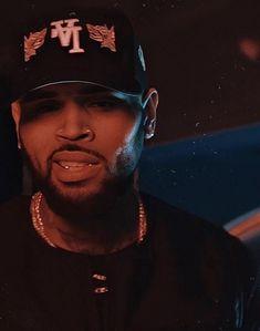 Chris Brown Art, Chris Brown Videos, Chris Brown Outfits, Chris Brown Pictures, Breezy Chris Brown, Chris Brown Fame Album, Chris Brown Drawing, Chris Brown Wallpaper, Cute Mexican Boys