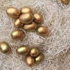These Little treasures must have been left by the Goose that Laid the Golden Egg! Our new window is up and these perfect little gold eggs are getting us in the Easter Spirit. Make your own and put them in a fruit bowl, or in one of the Sophie Conran Bowls with a little bit of straw and you'll have a great center piece for your Easter gathering! Perhaps the Easter Bunny will leave you a wonderful arrangement of golden eggs too!
