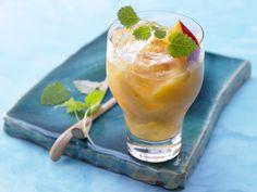 Exotischer Smoothie - mit Mango und Limette - smarter - Kalorien: 150 Kcal - Zeit: 10 Min. | eatsmarter.de Mango schmeckt immer – auch im Smoothie!