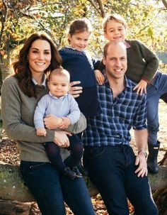 Prince Louis looks all grown up in the photo with siblings, Prince George and Princess Charlotte, as well as his parents Prince William and Kate Middleton William Kate, Prince William Family, Prince William And Catherine, Lady Diana, Princesa Kate Middleton, Princesa Diana, Princess Kate, Duke And Duchess, Duchess Of Cambridge