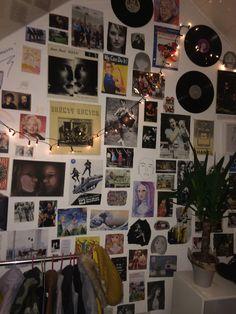 Indie Bedroom, Indie Room Decor, Cute Room Decor, Aesthetic Room Decor, Room Ideas Bedroom, Bedroom Decor, Bedroom Inspo, Chill Room, Cute Room Ideas