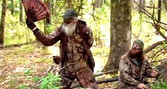 Si Robertson - Duck Dynasty try to fly flies