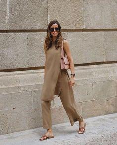 Summer Fashion Tips .Summer Fashion Tips Mode Outfits, Casual Outfits, Fashion Outfits, Fashion Tips, Fashion Trends, Fashion Hacks, Color Fashion, Modest Fashion, Fashion Clothes