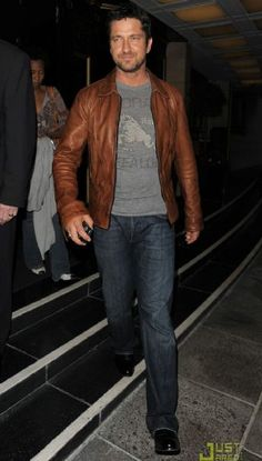 dark jeans, t shirt, leather jacket...love this combo for men!