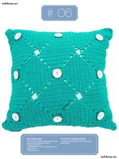 Crochet Almohadones #06 Crochet Hats, Fashion, Toss Pillows, Pillows, Pillow Design, Dots, Knitting Hats, Moda, Fashion Styles