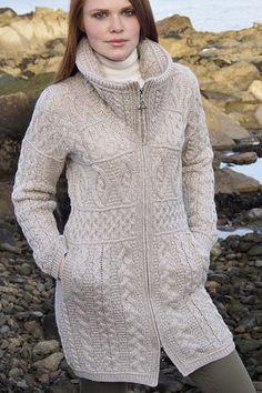 Аран ремесла ирландский Аран женщин Шерсть Современные Кенгуру капюшоном Страна Кардиган шерстяной свитер