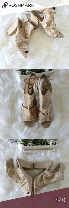"""Guess Neylan-F shoes Cream open toe sandals. Condition: new with original box Size: 11M Heel 4.25"""" Guess Shoes Sandals"""