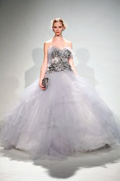 Reminds me of the gown Carrie wears in Paris in the last Sex and the City... Marchesa fall 2011 show