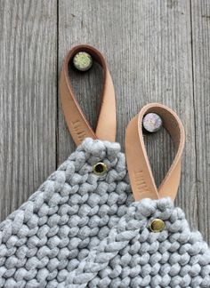 DIY Inspiration | Knitted Potholders with Leather Strap 2IN1 Topflappen &…
