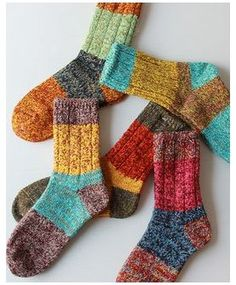 Diy Knitting Socks, Knit Socks, Quirky Fashion, Colorful Socks, Fashion Socks, Cool Socks, Yarn Crafts, Sock Shoes, Knitting Patterns